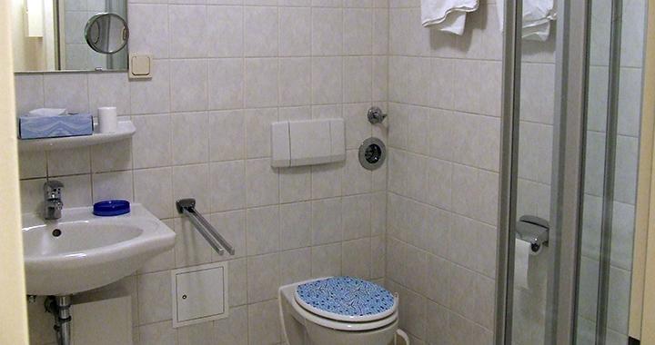 Das Badezimmer in einer der 38qm Wohnungen