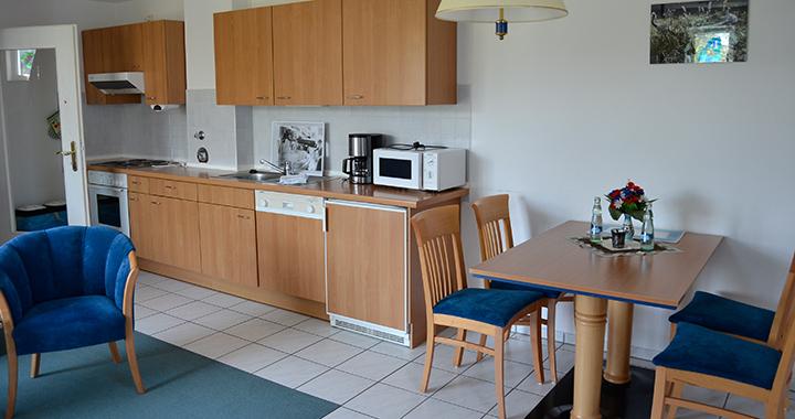 Küchenzeile und Essplatz der 54qm Wohnung