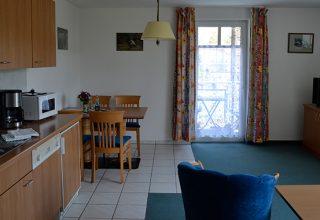 Offene Küche mit Ess- und Wohnraum der 54qm Wohnung